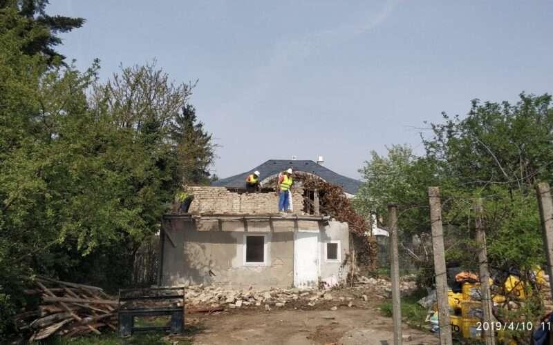 épület bontása