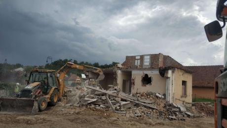 családi ház bontás és tereprendezés